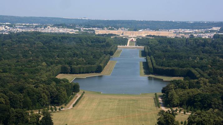 Helicopter tours-Paris-Helicopter ride over Paris and the Château de Versailles-7
