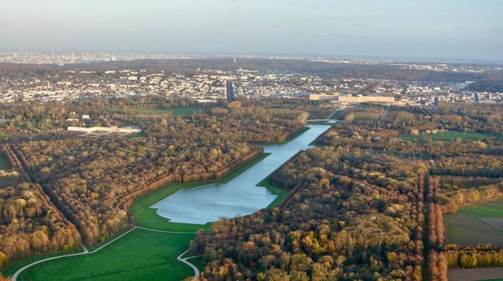 Helicopter tours-Paris-Helicopter ride over Paris and the Château de Versailles-8