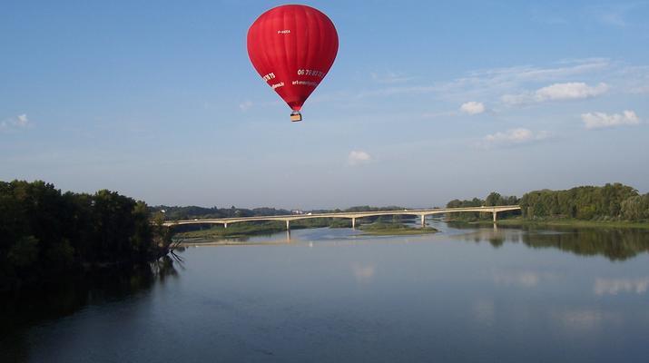 Hot Air Ballooning-Tours-Hot air balloon flight in Amboise, Touraine-6