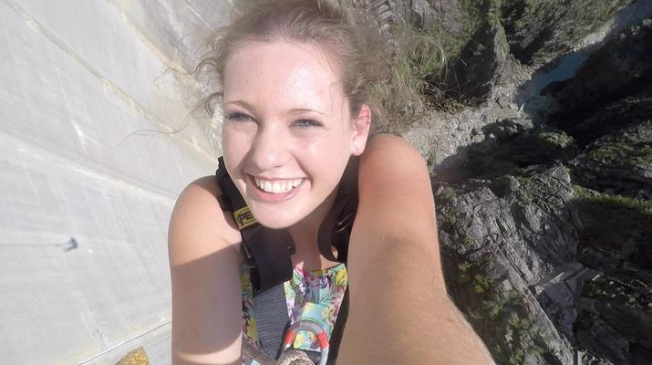 Bungee Jumping-Ticino-Bungee jumping from the Verzasca Dam (220 m.)-5