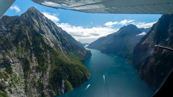 Scenic Flights-Wanaka-Scenic Flight & Cruise to Milford Sound-1