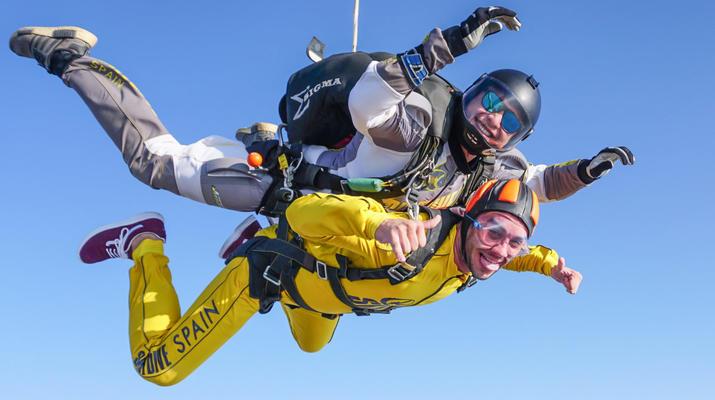 Skydiving-Sevilla-Tandem Skydive from 3100m in Sevilla-1
