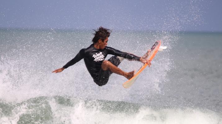 Surfing-Canggu-Surfing course on Kuta Beach in Bali-3