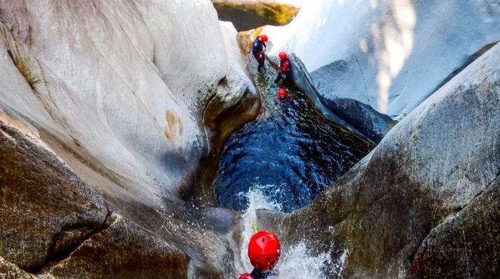Canyoning-Ticino-Canyoning in Boggera canyon, Valle di Cresciano in Ticino-6