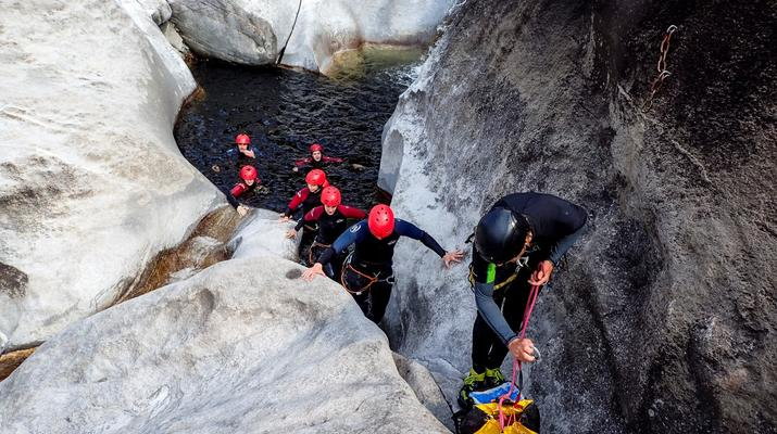 Canyoning-Ticino-Canyoning in Boggera canyon, Valle di Cresciano in Ticino-5