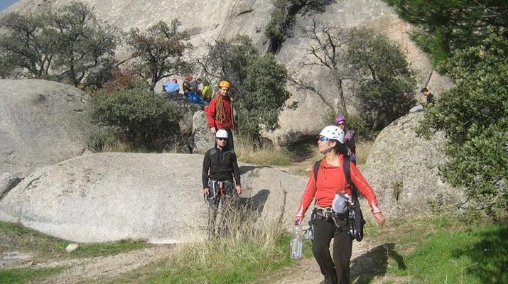 Rock climbing-Sierra de Guadarrama, Madrid-Rock climbing sessions in Torrelodones near Madrid-5