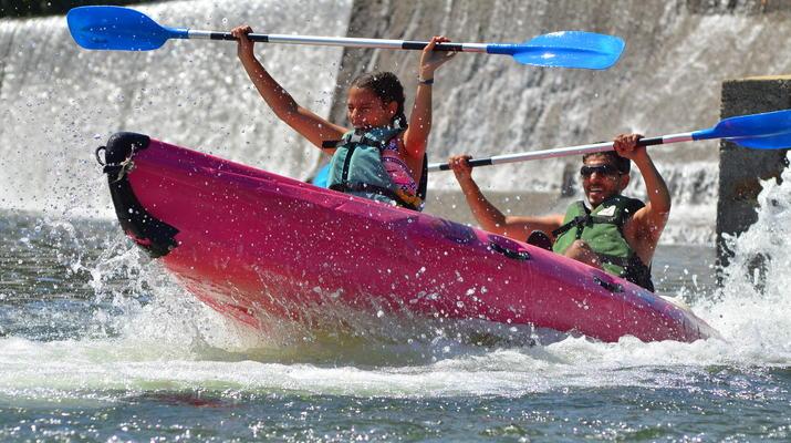 Canoë-kayak-Ardèche-Location de Canoë à Vallon-Pont-d'Arc, Ardèche-1