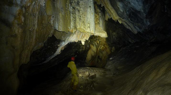 Caving-Les Carroz, Le Grand Massif-Caving excursion in the cave of Balme, Haute-Savoie-5