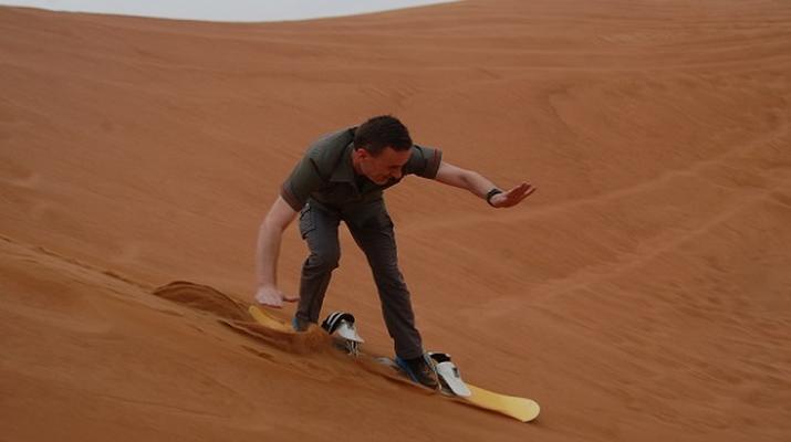 Sandboarding-Dubai-Sandboarding excursion in Dubai-2