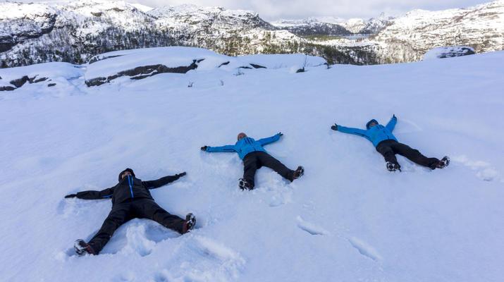 Snowshoeing-Stavanger-Winter/Spring Hike to Preikestolen (Pulpit Rock) in Ryfylke-12