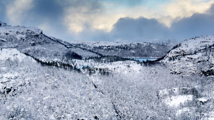 Snowshoeing-Stavanger-Winter/Spring Hike to Preikestolen (Pulpit Rock) in Ryfylke-13