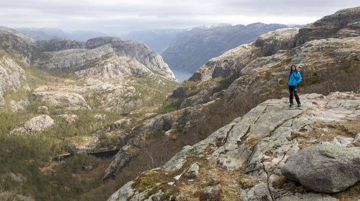 Randonnée / Trekking-Stavanger-Randonnée naturelle vers Preikestolen (rocher de la chaire) à Ryfylke.-10