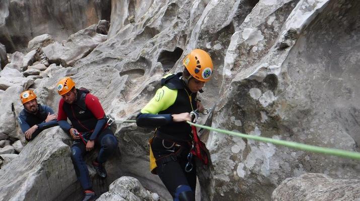 Canyoning-Ronda-Advanced Canyoning in Buitreras, near Estepona-6
