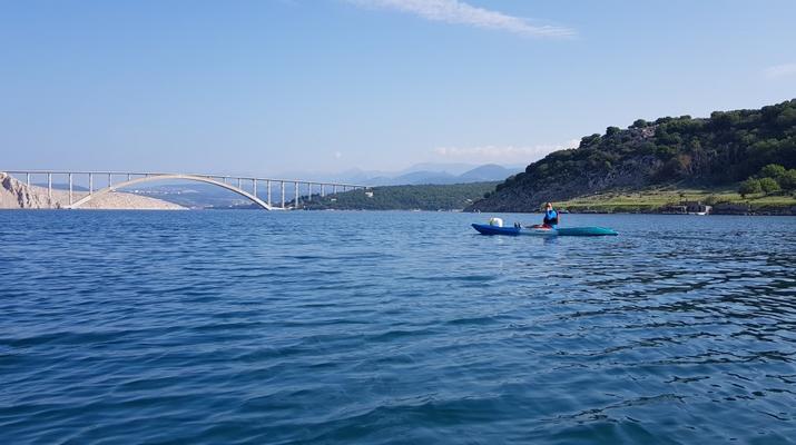 Kayak de mer-Krk-Kayak de mer de l'îlot de Saint-Marc et du pont de Krk-1