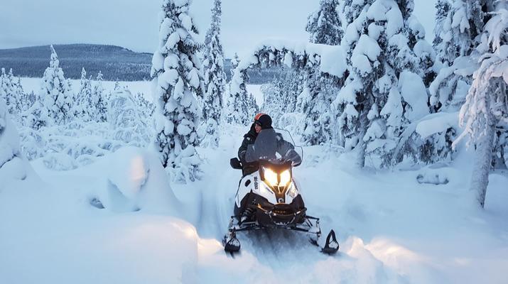 Snowmobiling-Kiruna-Snowmobile excursion to ICEHOTEL from Kiruna-1