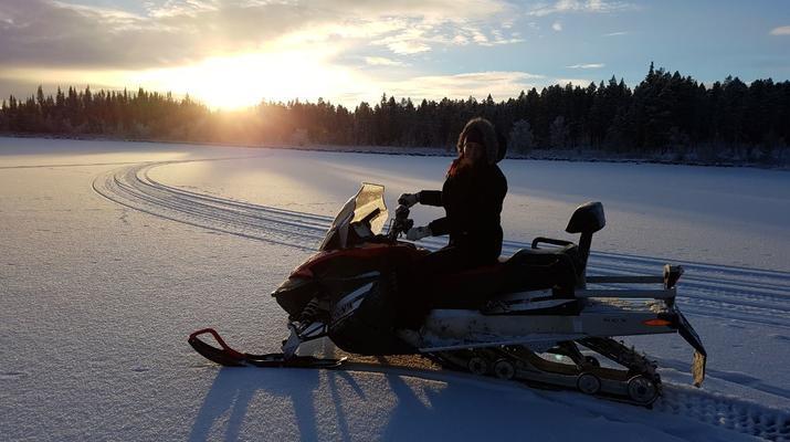 Snowmobiling-Kiruna-Snowmobile excursion to ICEHOTEL from Kiruna-3
