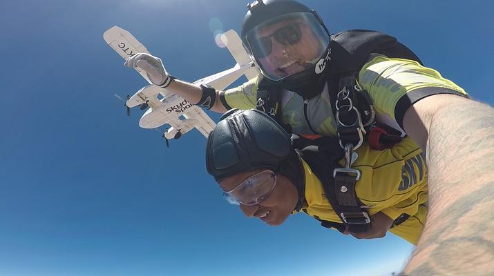 Skydiving-Sevilla-Tandem Skydive from 3100m in Sevilla-2