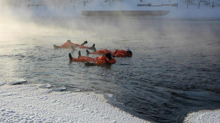 Snow Experiences-Savonlinna-Ice floating in Savonlinna, Finland-1