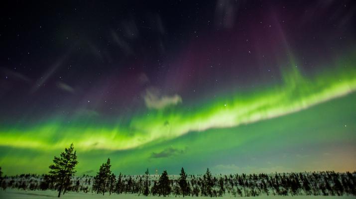 Experiencias en la nieve-Rovaniemi-Experiencia de flotación en hielo en Laponia-3