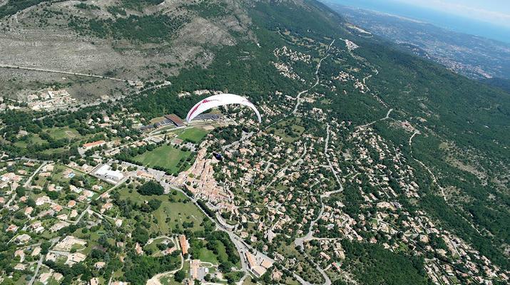 Parapente-Cannes-Baptême de parapente à Saint-Vallier-de-Thiey, près de Cannes-2