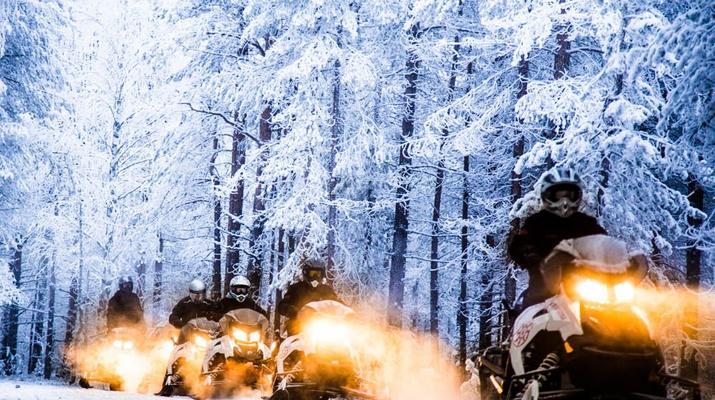 Snowmobiling-Rovaniemi-Chasing the Northern Lights on Snowmobile, near Rovaniemi-6