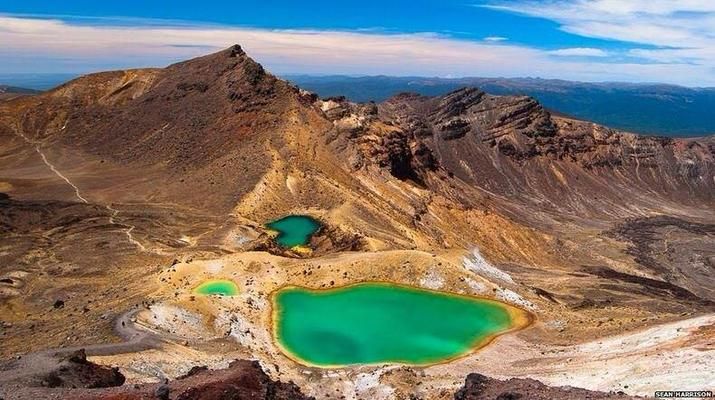 Glacier hiking-Taupo-Tongariro Crossing equipment rental and shuttle-2