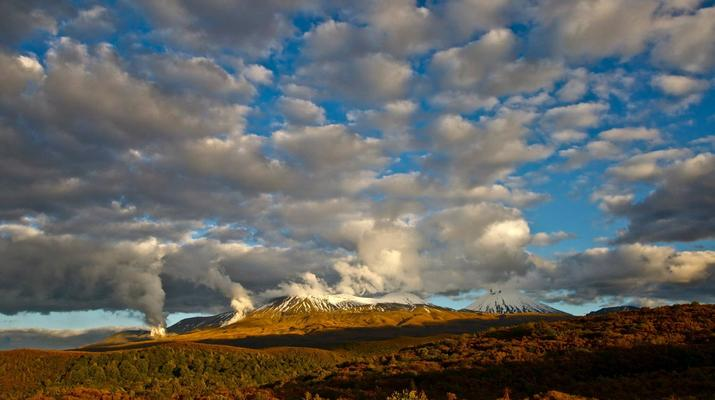 Glacier hiking-Taupo-Tongariro Crossing equipment rental and shuttle-5