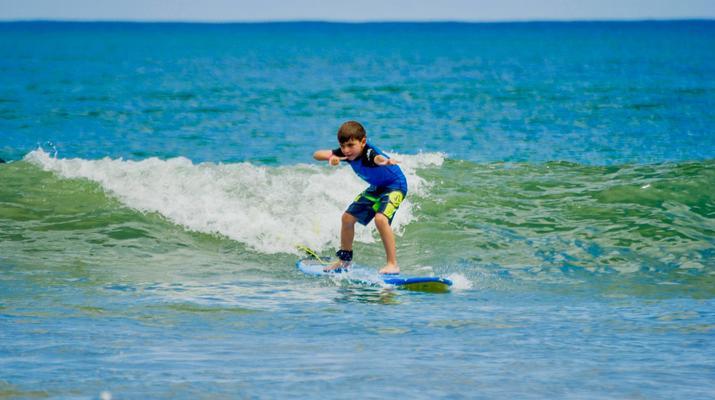 Surfing-Tamarindo-Private surfing lessons in Tamarindo-4