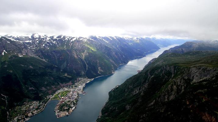 Helicoptère-Bergen-Tour en hélicoptère de Trolltunga à Bergen-2
