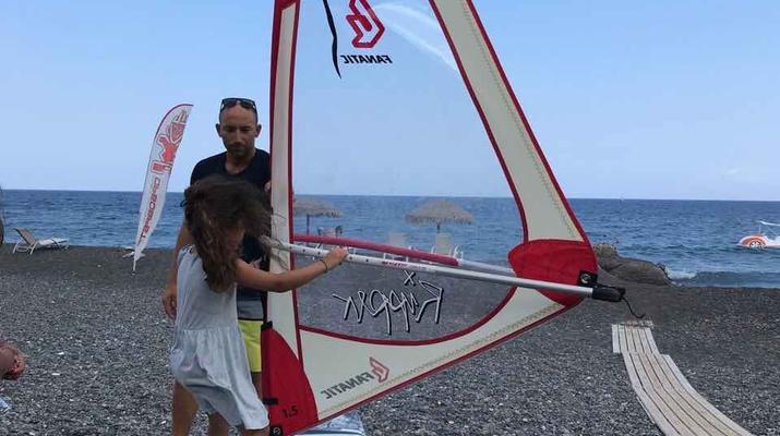 Windsurfing-Santorini-Windsurfing for beginners in Santorini-2