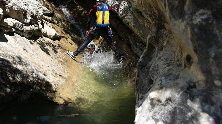 Canyoning-Lake Garda-Intermediate Canyoning Tour in Brescia near Lake Garda-4