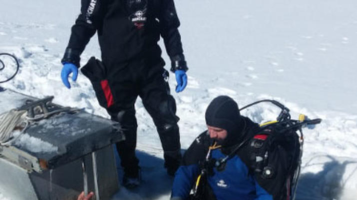 Ice Diving-La Quillane-Ice Diving in La Quillane, Eastern Pyrenees-3