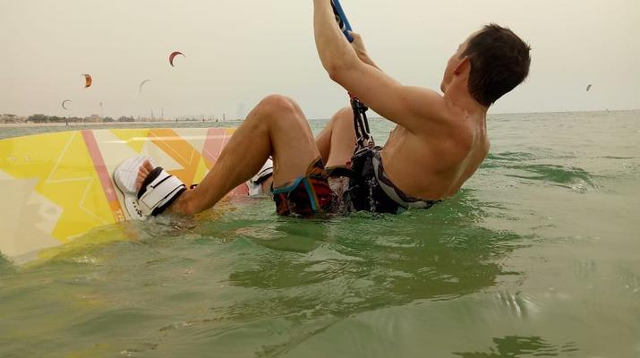 Kitesurfing-Dubai-Kitesurfing Course in Dubai-2