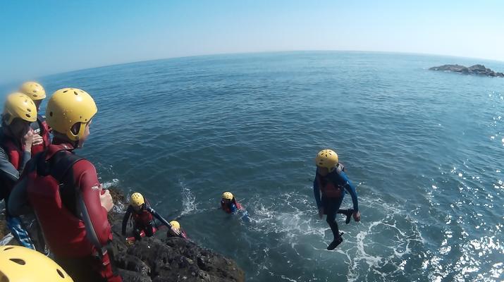 Coasteering-County Wicklow-Coasteering en las afueras de Dublín, en Bray-1