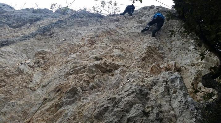 Rock climbing-Lake Garda-Extreme Multi-pitch Rock Climbing Course in near Lake Garda-3