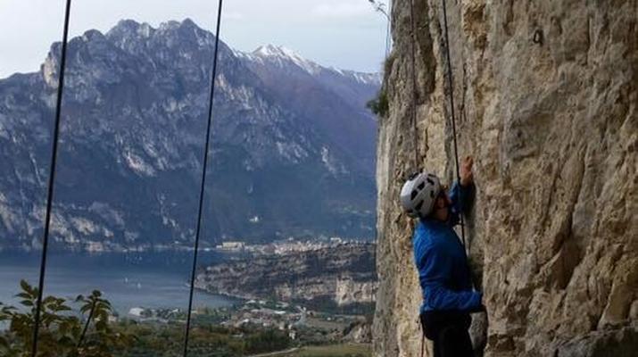 Rock climbing-Lake Garda-Extreme Multi-pitch Rock Climbing Course in near Lake Garda-5