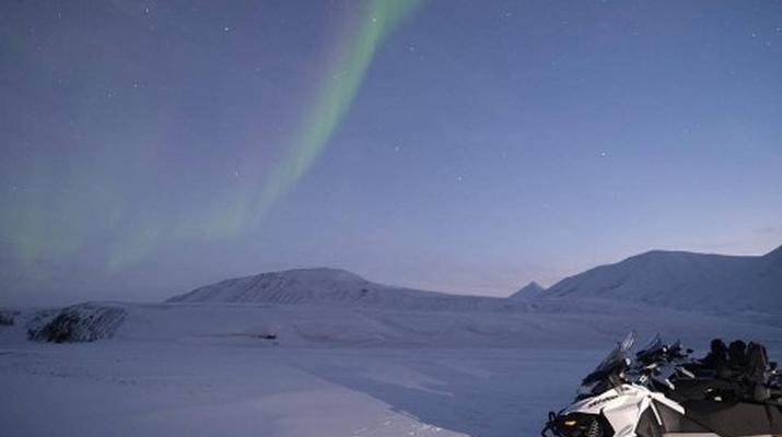Snowmobiling-Svalbard-Northern Lights Snowmobile Trip in Svalbard-3