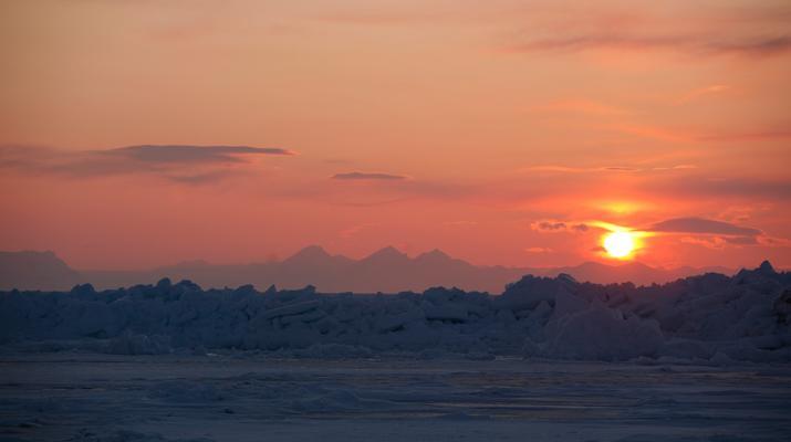 Snowmobiling-Svalbard-Snowmobile Trip through Svalbard in Spring-4