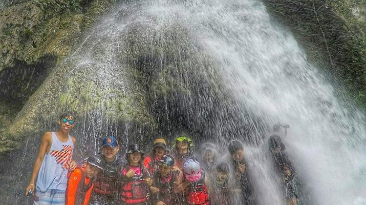 Canyoning-Cebu-Kawasan Falls & Moalboal Island Private Tour Package-14