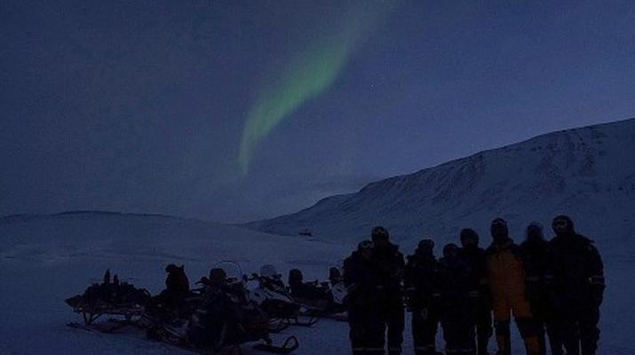 Snowmobiling-Svalbard-Northern Lights Snowmobile Trip in Svalbard-4