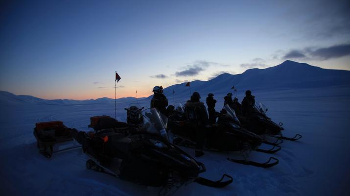 Snowmobiling-Svalbard-Northern Lights Snowmobile Trip in Svalbard-2