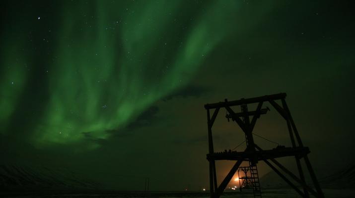 Snowmobiling-Svalbard-Northern Lights Snowmobile Trip in Svalbard-1