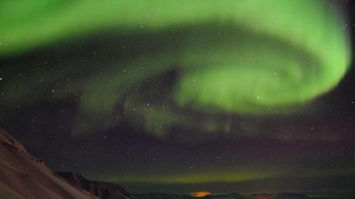 Snowmobiling-Svalbard-Northern Lights Snowmobile Trip in Svalbard-6