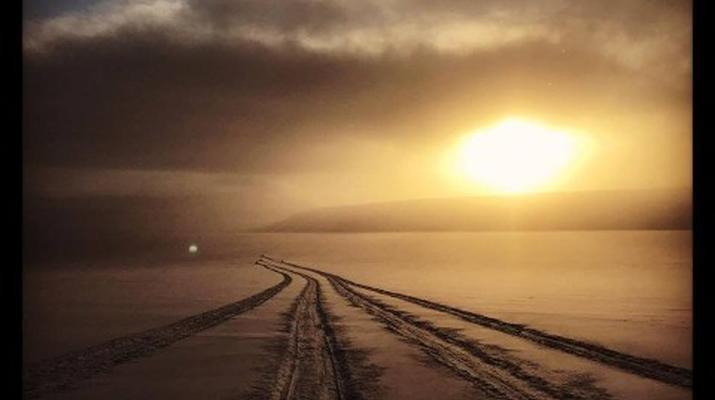 Snowmobiling-Svalbard-Snowmobiling through the Midnight Sun in Svalbard-4