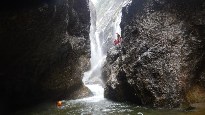 Canyoning-Salzbourg-Canyoning dans la gorge de Strubklamm près de Salzbourg, en Autriche-5