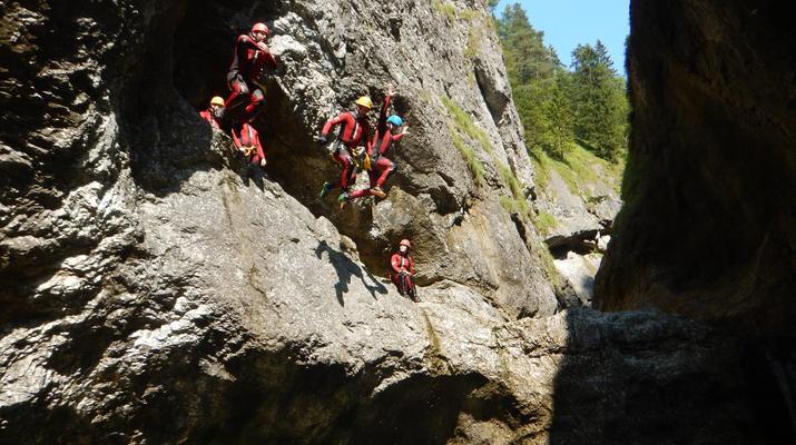 Canyoning-Salzbourg-Canyoning dans la gorge de Strubklamm près de Salzbourg, en Autriche-3