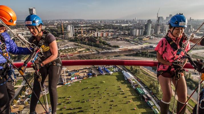 Rápel-London-Descenso en rappel de ArcelorMittal Orbit en el Parque Olímpico de Londres-1