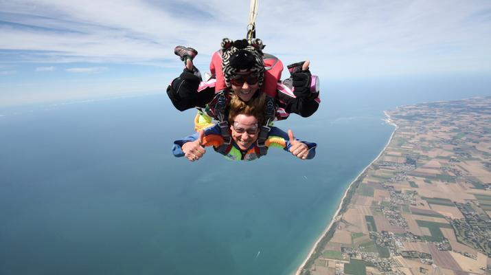 Skydiving-Le Havre-Tandem skydiving in Le Havre, Normandy-4