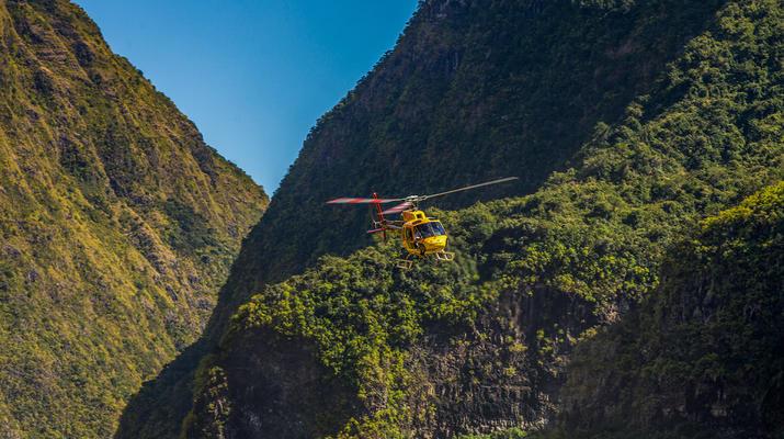 Helicoptère-Saint-Pierre-Survol des Volcans et Cirques de La Réunion en Hélicoptère-5