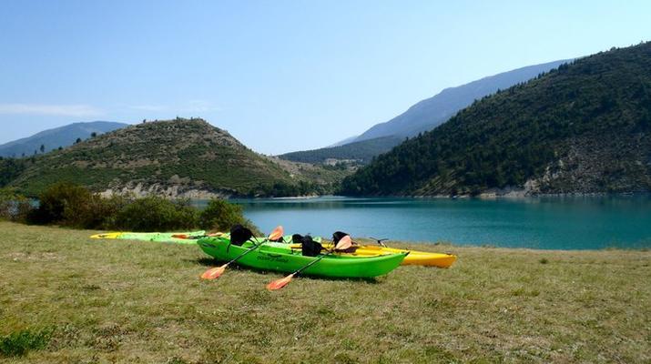 Canoë-kayak-Gorges du Verdon-Location Canoë-Kayak sur le Lac de Castillon, près de Castellane-1